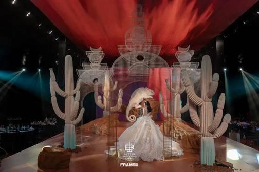 国内婚礼案例精选   超现实火星沙漠,在婚礼上也能实现
